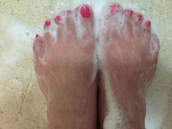 足の臭い、お見合いで気になりませんか?足の臭いを爽やかにする方法